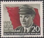 ГДР 1956 год. 70 лет со дня рождения лидера немецких коммунистов Эрнста Тельмана. 1 марка с наклейкой