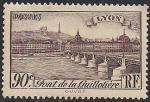 Франция 1939 год. Мост в Лионе. 1 марка с наклейкой