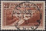 Франция 1929 год. Строительство моста через реку Гард. 1 гашёная марка (зуб.13)