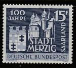 ФРГ (СААР) 1957 год. 100 лет городу Мерциг. Герб города, кирха Святого Петра, 1 марка (наклейка)