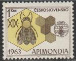 ЧССР 1963 год. Международный конгресс по пчеловодству. Пчела, соты, эмблема, 1 марка