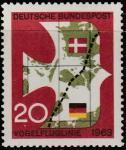 ФРГ 1963 год. Почтовый голубь. Кратчайшая связь между Германией и Копенгагеном, 1 марка (с наклейкой)